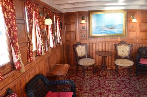 Sala de um navio antigo-Photo by Claudia Grunow