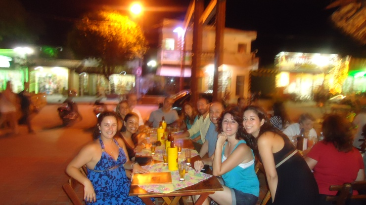 Eu e amigos no Taboa Lanche- Photo by Claudia Grunow