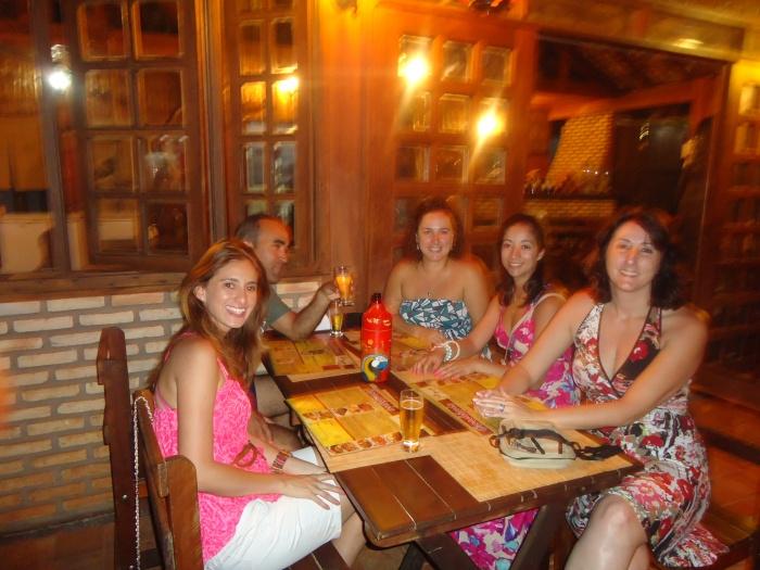 Eu e amigos experimentando o Sushi de Piraputanga- Photo by Claudia Grunow