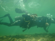 Mergulho - indo em direção a cachoeira-Photo by ClauGrunow