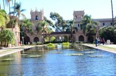 Um dos lagos dentro do parque