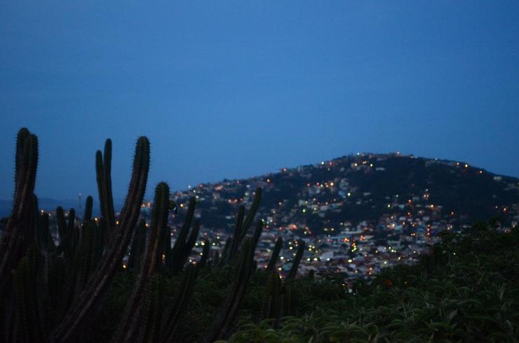 Esta vista mostra como a cidade é pequena e tem poucas pousadas. Photo by Claudia Grunow