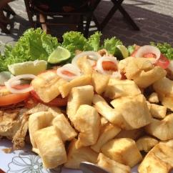 Pratos servidos nos quiosques da praia dos Anjos