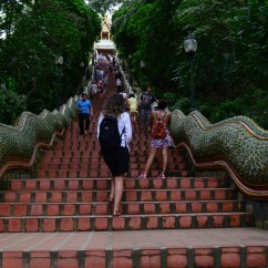 Escadaria do Templo Doi Suthep