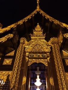 Templo encontrado nas ruas de Chiang Mai.