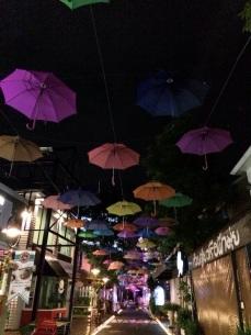 Shopping encontrado na Huai Kaeo Rd.