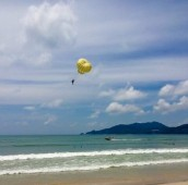 Praia de Patong /Photo by Claudia Grunow