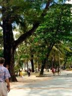 Calçadão da praia Patong / Photo by Claudia Grunow