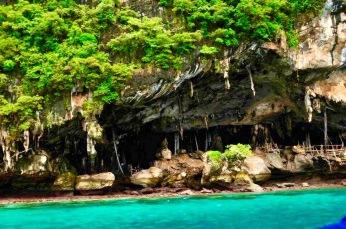 Viking cave - Onde os biólogos moram