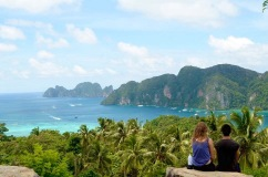 Casal no View Point Kho Phi Phi