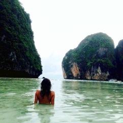Maia Bay com a maré baixa