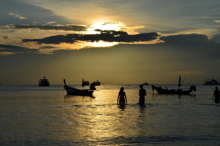 Por do Sol em Sairee Beach- Photo by Claudia Grunow
