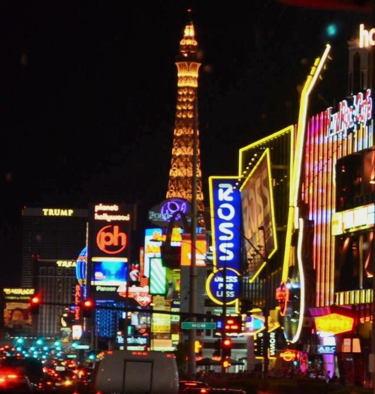 Las Vegas à noite -Photo by Claudia Grunow