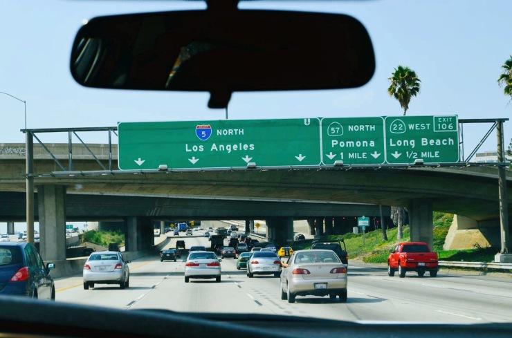 Trânsito em Los Angeles - Photo by Claudia Grunow
