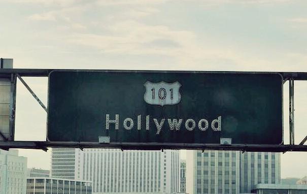 Placa indicando Los Angeles - By ClauGrunow