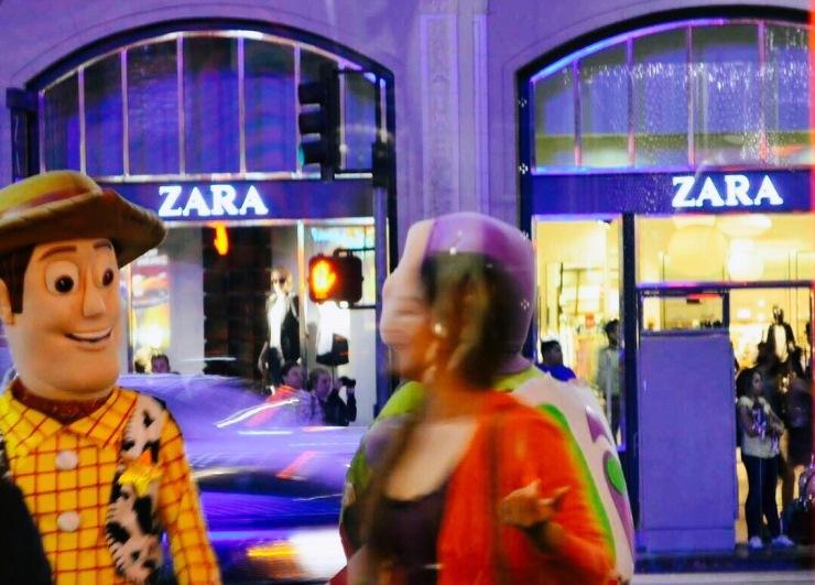 Loja Zara em Los Angeles - Photo By Claudia Grunow