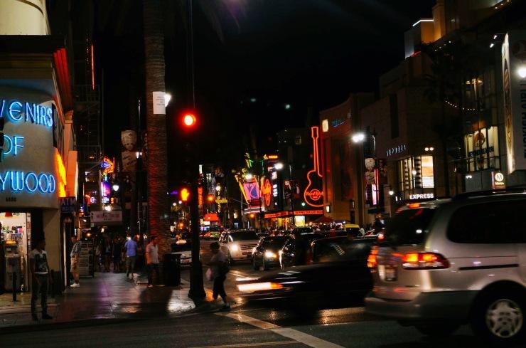 Hollywood Blvd um dos principais pontos turisticos inclusive compras - Photo by Claudia Grunow
