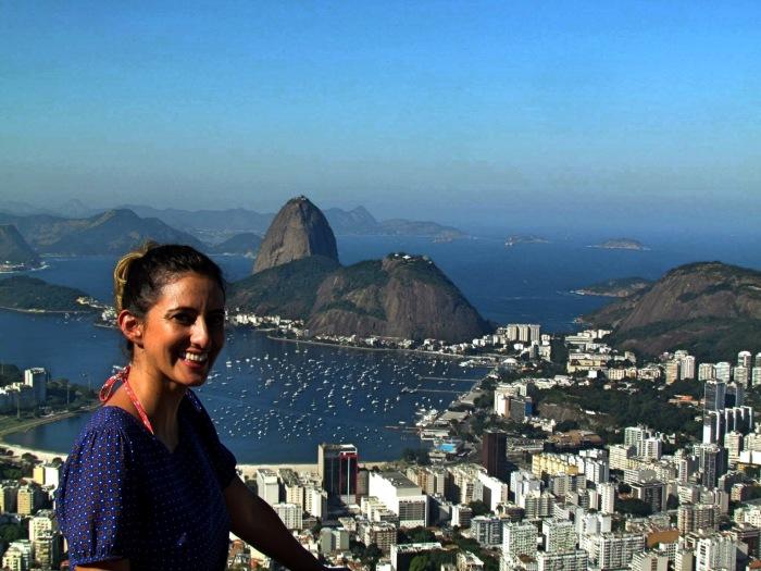 Pão de Açúcar no fundo - Vista do Mirante Dona Marta. Photo Claudia Grunow