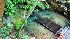 Entrada para o Buraco do macaco- Cachoeira Boca da Onça- Photo by Claudia Grunow