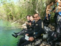 Eu e amigos pronto para o mergulho -Photo by Claudia Gruno