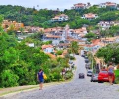 Descida para a praia João Fernandes- Photo by Claudia Grunow