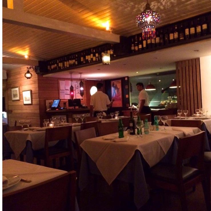 Charmoso interior do restaurante El Rincon- Photo by Claudia Grunow