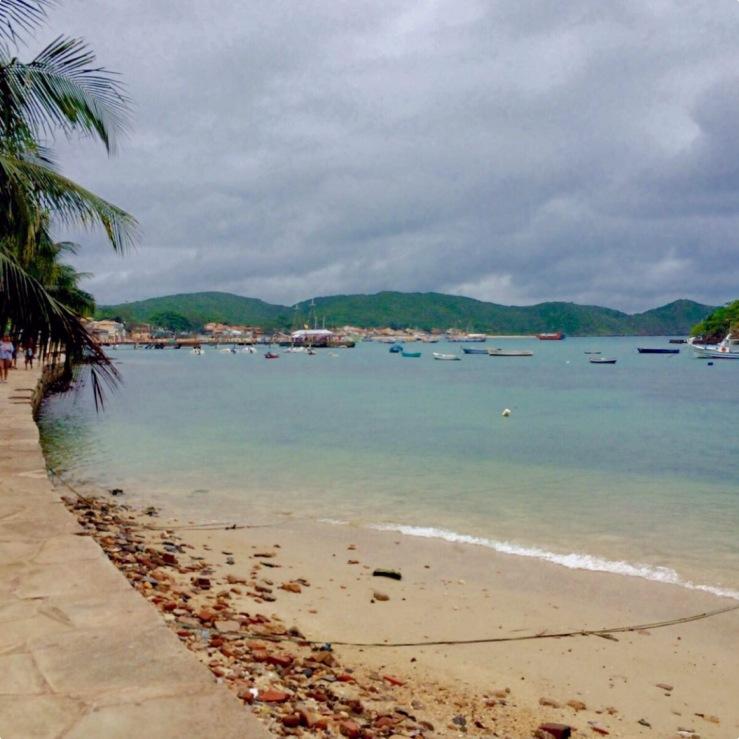Orla da praia da Armação- Photo by Claudia Grunow