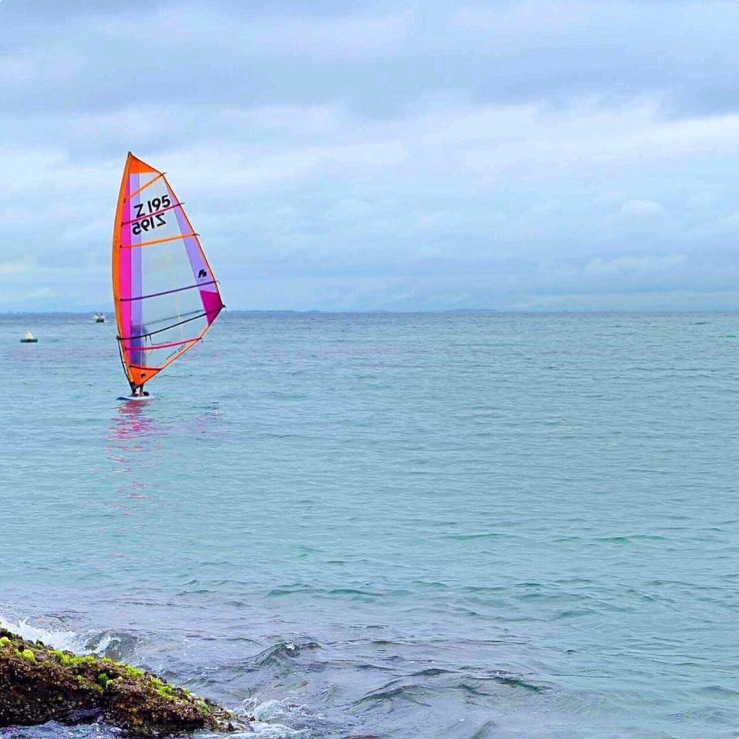 Wind surf na Praia de João Fernandes - Photo by Claudia Grunow