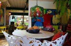 No Interior do Maria Maria, cheio de detalhes e cores- Photo by Claudia Grunow