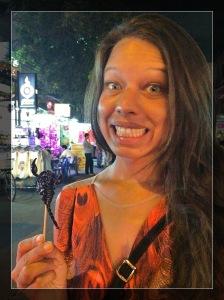 Minha amiga e a sua saga de comer um escorpião- Photo by Claudia Grunow
