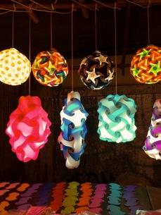 Lanternas vendidas na Kao San - Photo by Claudia Grunow