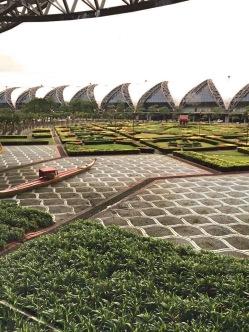 Os Jardins do aeroporto - Photo by Claudia Grunow