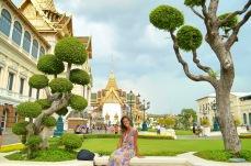Em frente ao Maha Chakri Prasat Salão Photo by Claudia Grunow