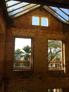 No interior das Ruínas - Photo by Claudia Grunow
