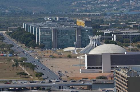 Os principais monumentos de Brasília- - Photo by Claudia Grunow