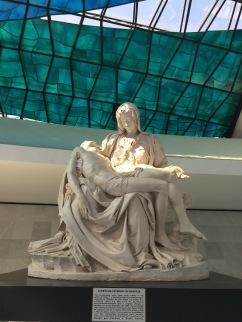 Réplica de Pietá - Photo by Claudia Grunow